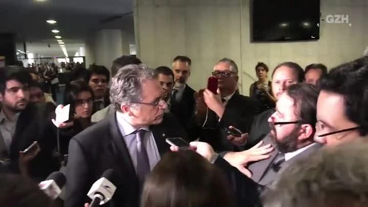 Deputado Carlos Zarattini (PT-SP) discute com motorista do Uber no Senado
