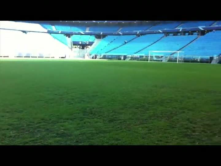 Jogo Rápido: O gramado da Arena e o treino de Luxemburgo