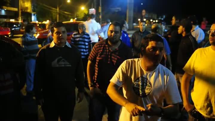 Veja a madrugada de protestos dos taxistas que culminou na reunião com Tarso