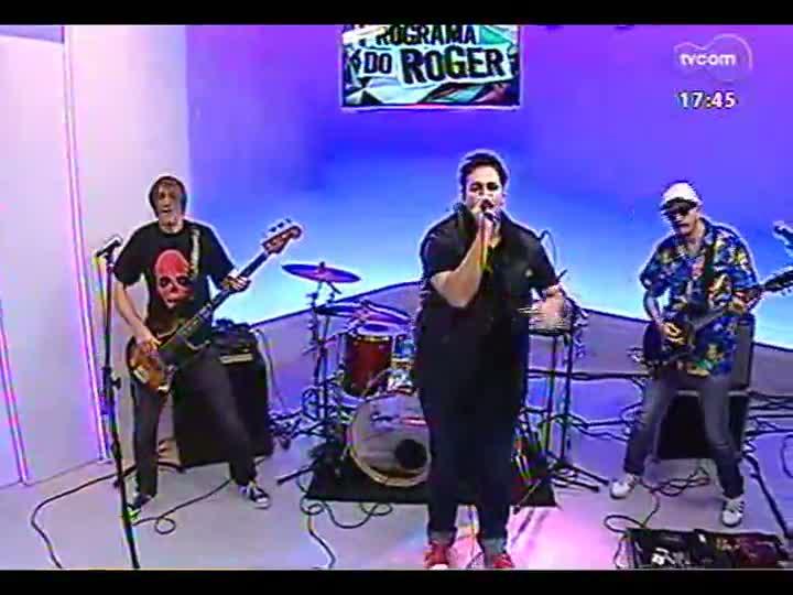 Programa do Roger - Confira a participação da banda Comunidade Nin-Jitsu - bloco 1 - 11/04/2013