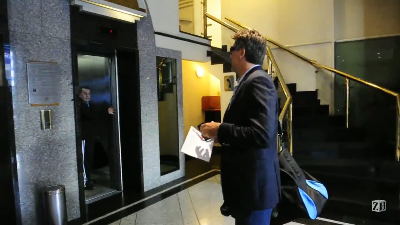 Grêmio chega a Curitiba para encarar o Atlético-PR na estreia de Renato