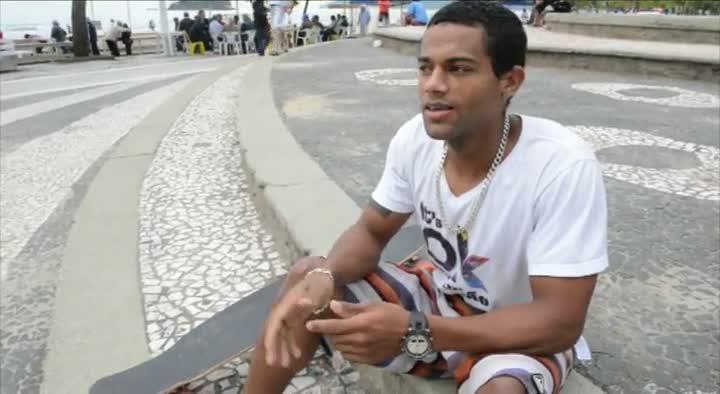 Moradores declaram amor por Balneário Camboriú
