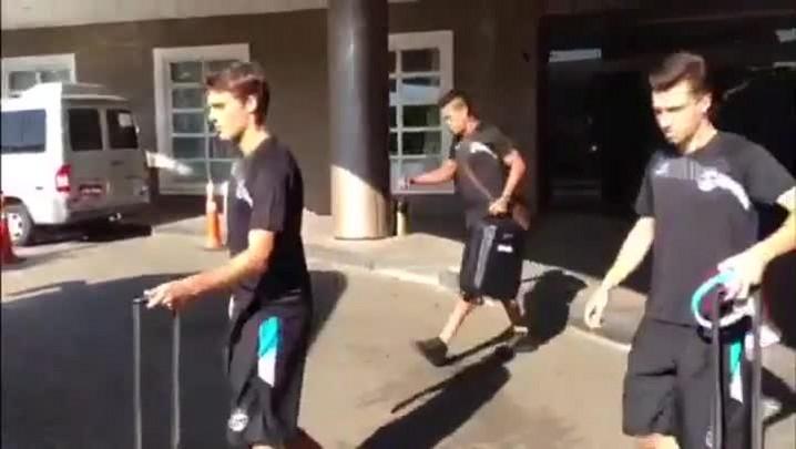 Concentração - Confira a saída do time do Grêmio - 09/02/2014