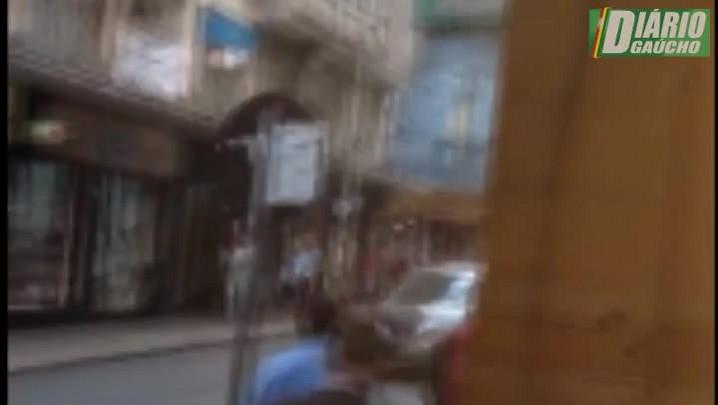 Flagrante de furto a pedestre no Centro de Porto Alegre
