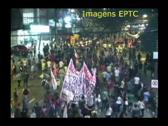 TVCOM 20 Horas - Chuva causa transtornos na capital - 24/02/15