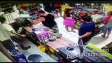 Policial ameaça funcionário de loja em Guaíba