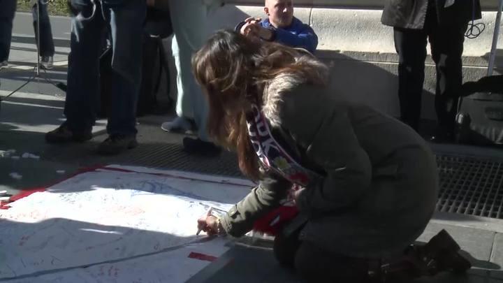 Atriz franco-brasileira comenta atentados em Paris