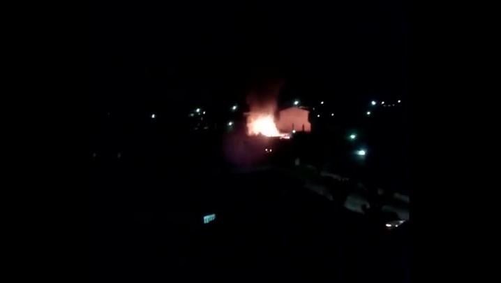 Casa é totalmente consumida pelo fogo em Santa Maria