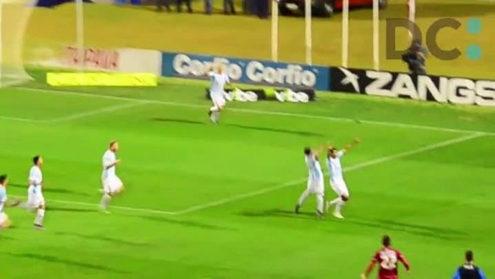 Assista ao gol de Vitor, do Avaí, contra o Goiás