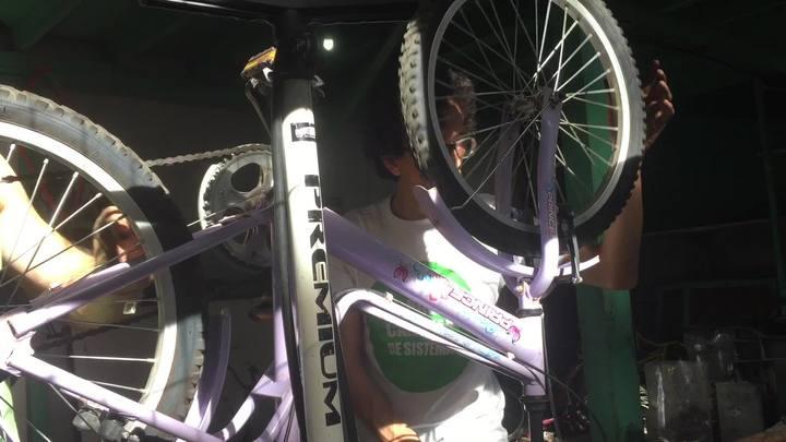 Ciclistas arrecadam bikes para crianças