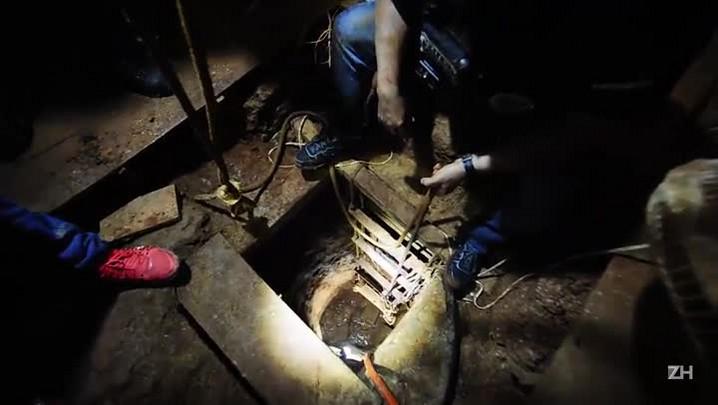 Jornalista de ZH entra em túnel e mostra obra que permitiria fuga de detentos no Presídio Central