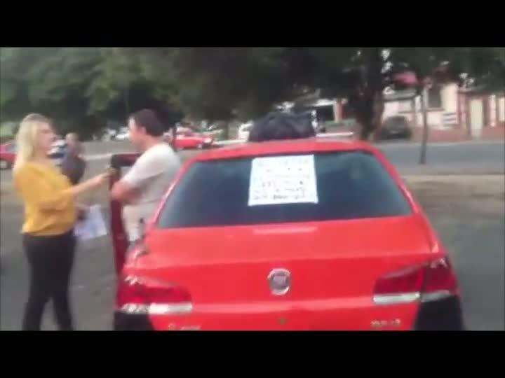 Taxistas realizam nova manifestação em Porto Alegre - 31/03/2013