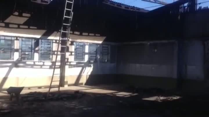 Escola incendiada retoma atividades em Eldorado do Sul - 19/08/2013