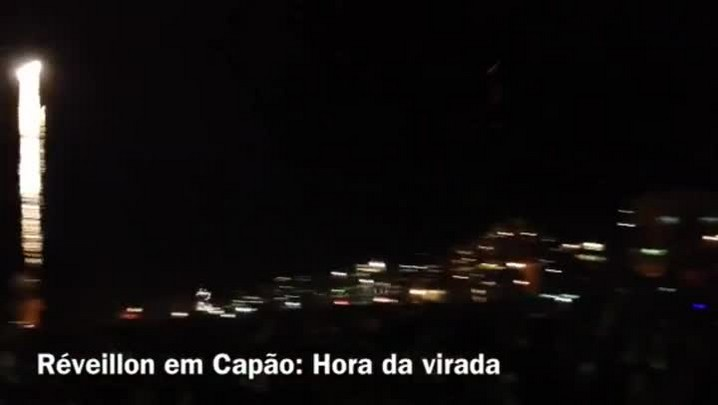 Confira imagens da queima de fogos no Réveillon de Capão da Canoa - 01/01/2014