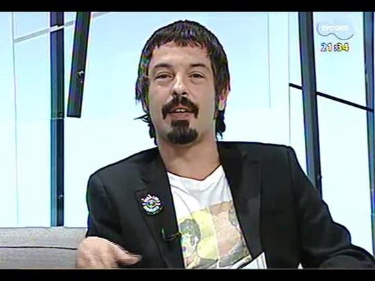 TVCOM Tudo Mais - Lúcio Brancato dá o serviço do show do Guns n\' Roses e fala dos aniversários de David Bowie, Elvis Presley, Jimmy Page e Rod Stewart