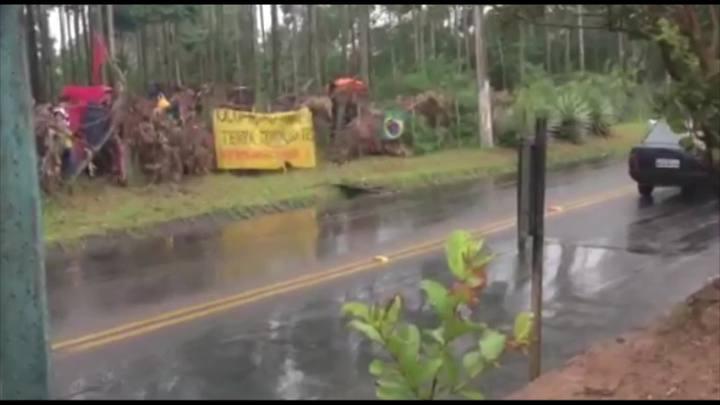 Imagens da recente ocupação na SC-406, no bairro Rio Vermelho