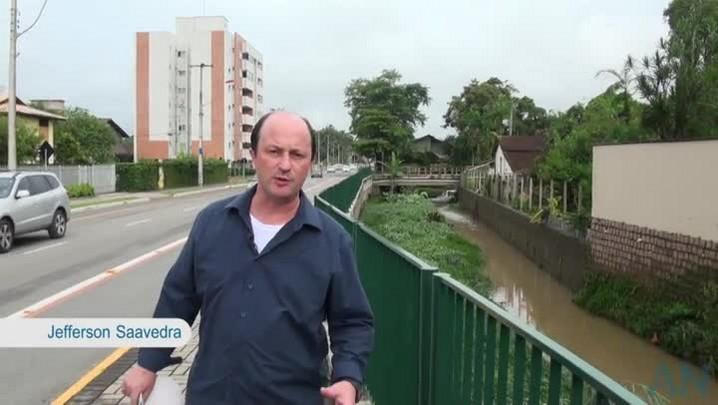 \'É possível enfrentar o problema das enchentes\', analisa Saavedra
