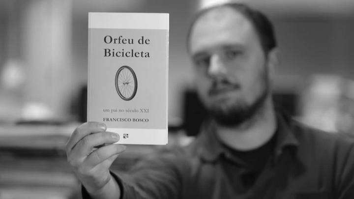"""In(dica) livros: \""""Orfeu de Bicicleta: um pai no século 21\"""""""