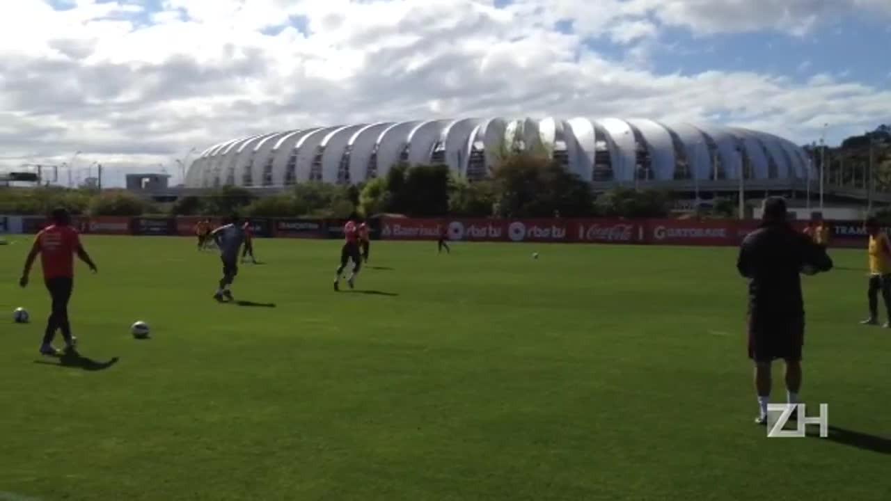 Treino de bola parada do Inter nesta sexta-feira