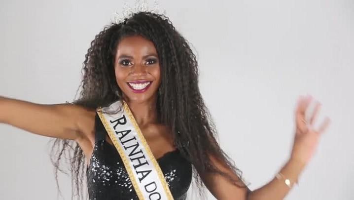 Rainha do Carnaval de Porto Alegre dá dicas para quem quer aprender a sambar