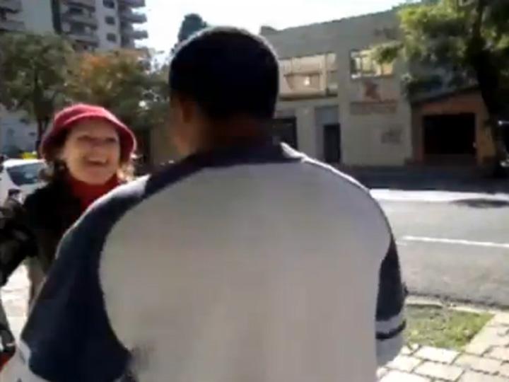 Assistente social reencontra ex-dependente de crack em Caxias do Sul