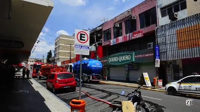Incêndio destrói loja de eletrodomésticos em Canoas