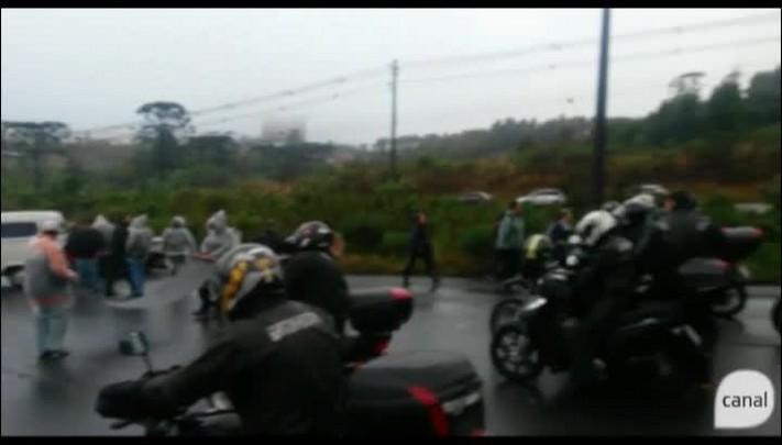 Buzinaço na liberação da ERS-122, em Caxias