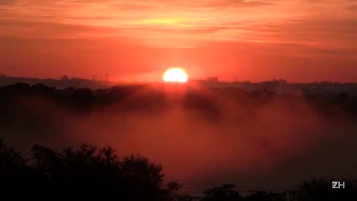 Confira o nascer do sol em Porto Alegre