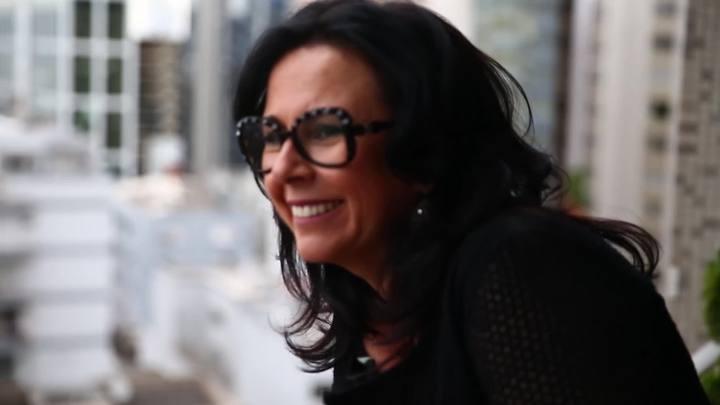 Mi casa, su casa: coluna Rede Social visita Carla Tellini