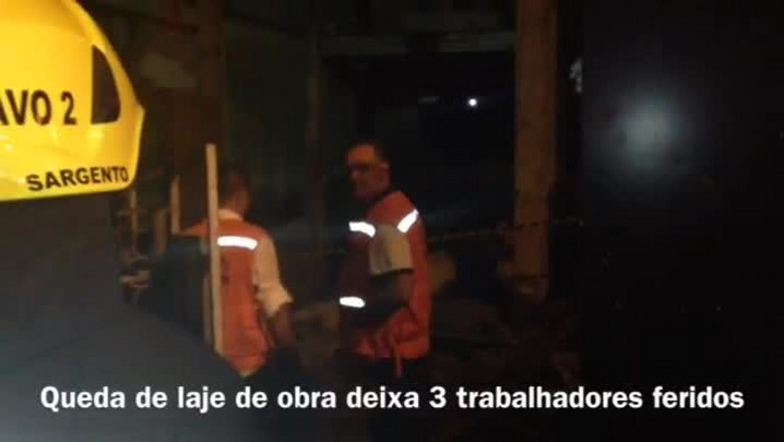 Desabamento de obra deixa três operários soterrados em Porto Alegre - 28/03/2014
