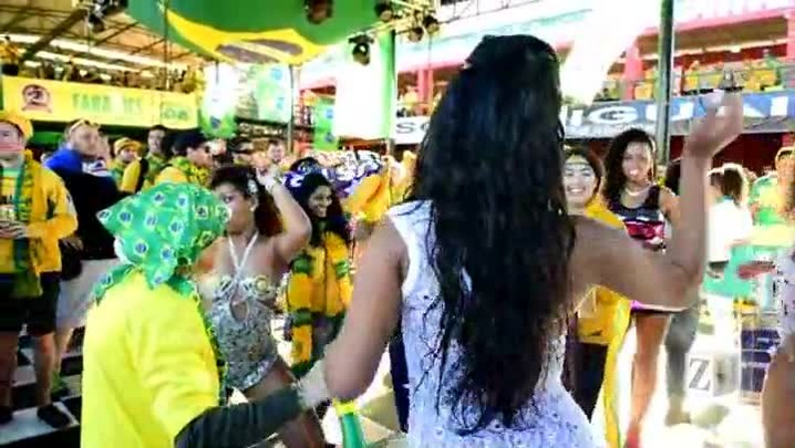Australianos caem no samba na Banda da Saldanha