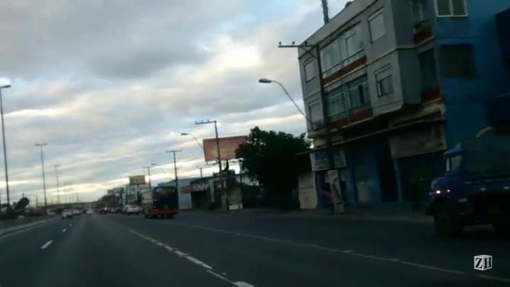 Em imagens, veja ônibus desgovernado que colide em oito veículos na BR-116