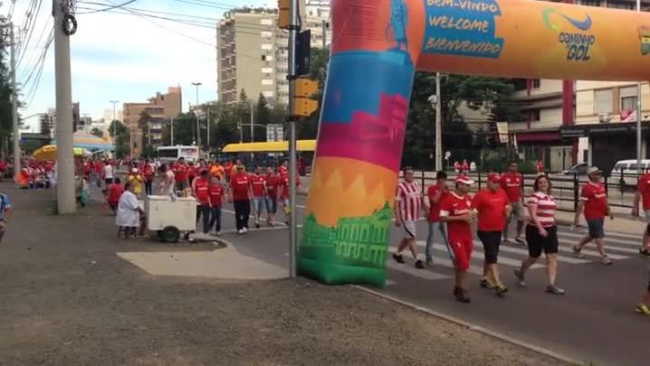 Em clima de torcida mista, Fernando Carvalho e Cacalo vão juntos ao Beira-Rio