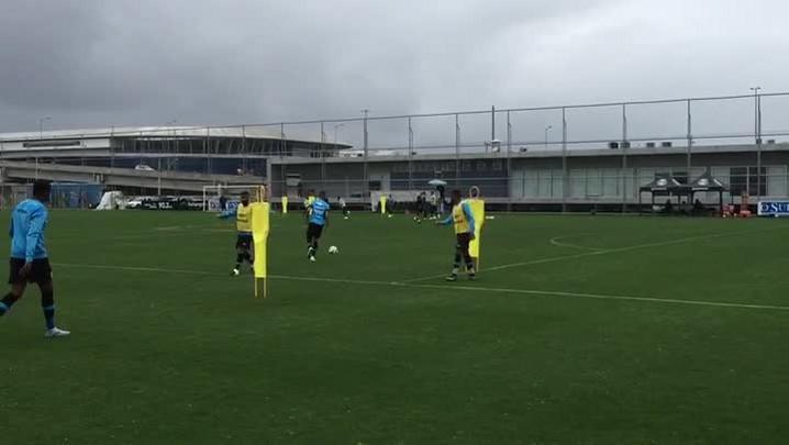 Grêmio treina para partida contra o Sport