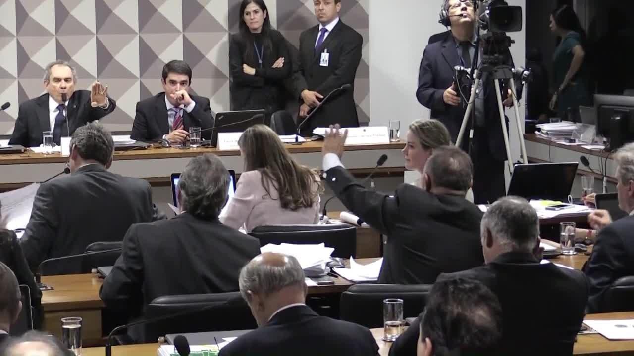 Juristas reafirmam crime de responsabilidade de Dilma