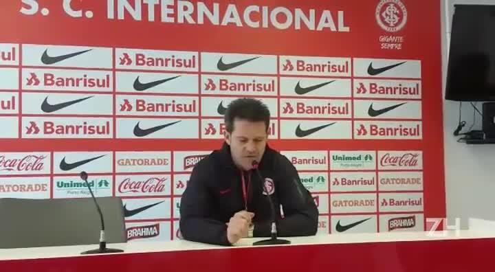 Argel confirma o time que começa a partida contra a Chapecoense