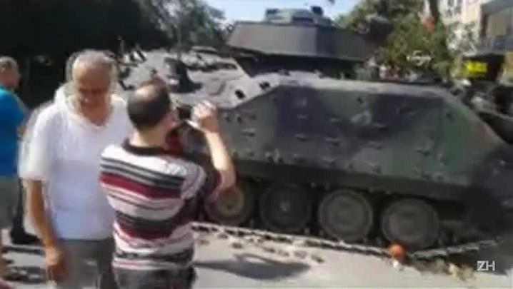Chanceler alemã condena tentativa de golpe na Turquia