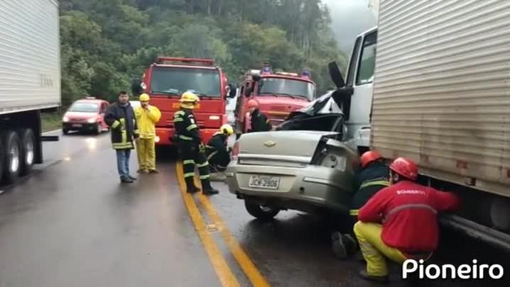 Duas pessoas morrem em acidente próximo a curva da morte em Farroupilha
