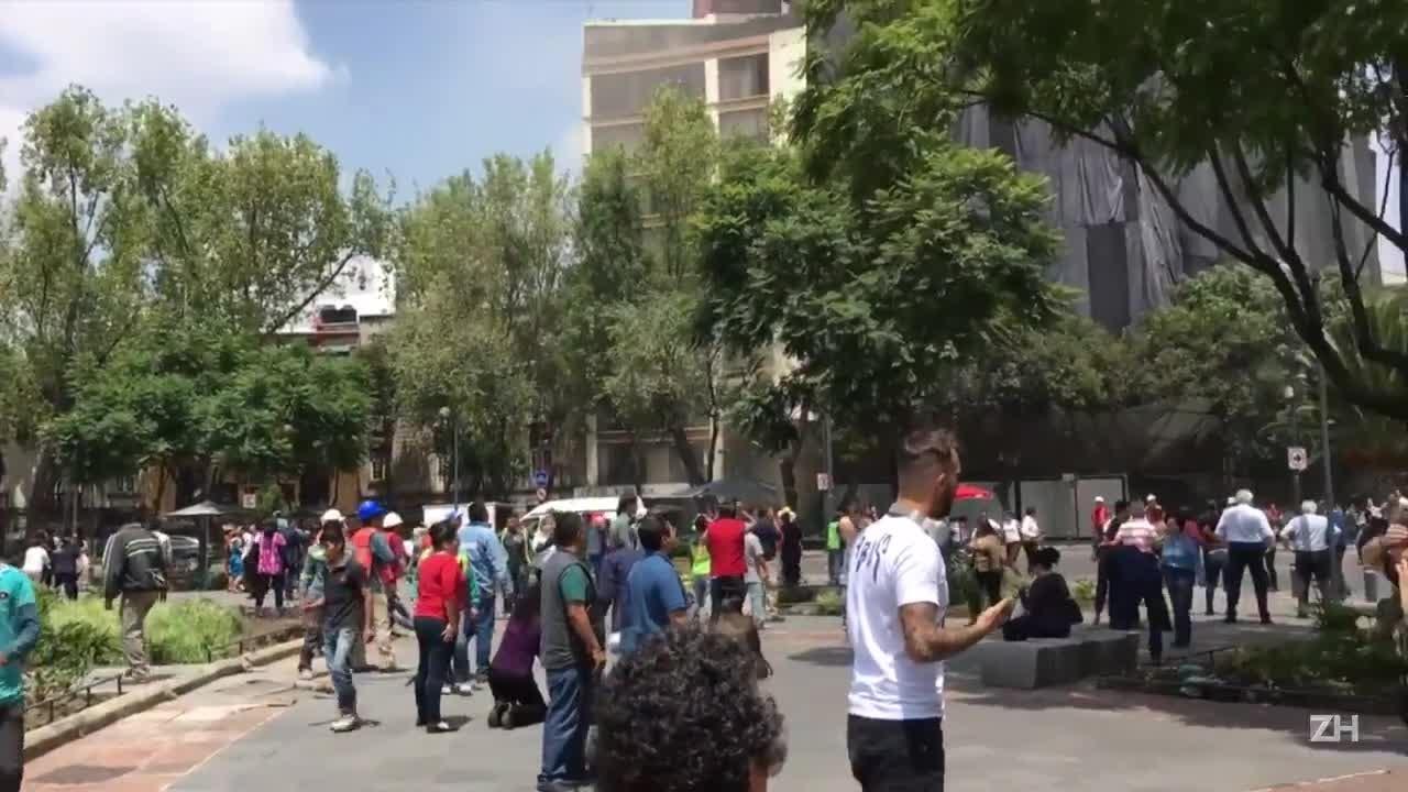 Destruição após terremoto no México