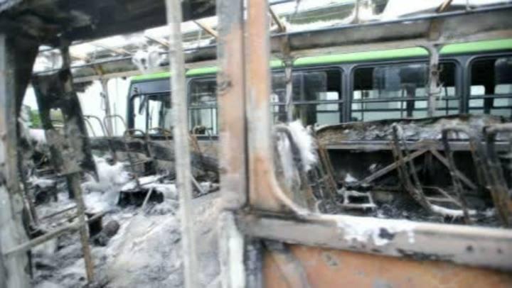 Atentado contra ônibus da empresa Canasvieiras