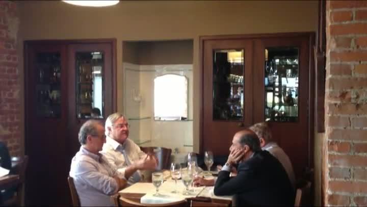Zero Hora flagra reunião entre presidentes do Grêmio durante almoço na Capital