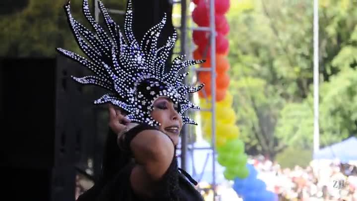 Veja trecho da Parada Livre e Marcha Lésbica em Porto Alegre
