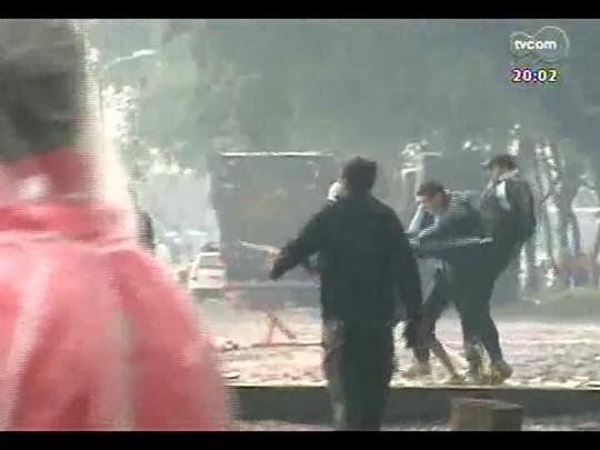 TVCOM 20 Horas - Brigas entre torcedores faz Brigada Militar defender torcida única em Gre-Nal - Bloco 1 - 11/08/2014