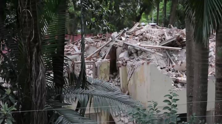 Casarões da Rua Luciana de Abreu são demolidos em Porto Alegre