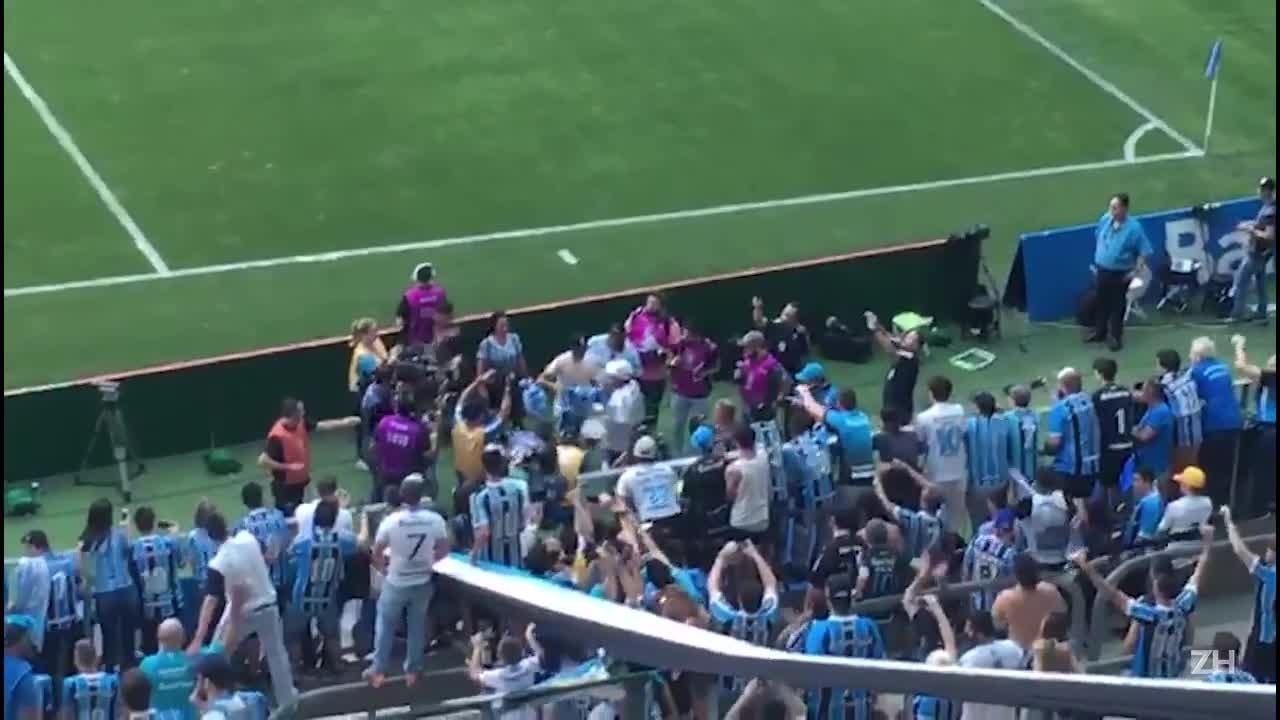 Pedro Rocha se despede da torcida do Grêmio