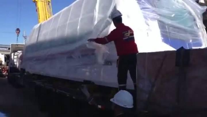 Plástico é retirado do aeromóvel
