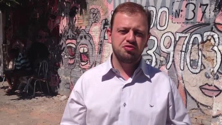 Edison Luiz Alves procurou o DMLU e aproveitou para promover campanha de conscientização no bairro Azenha. 26/12/2013