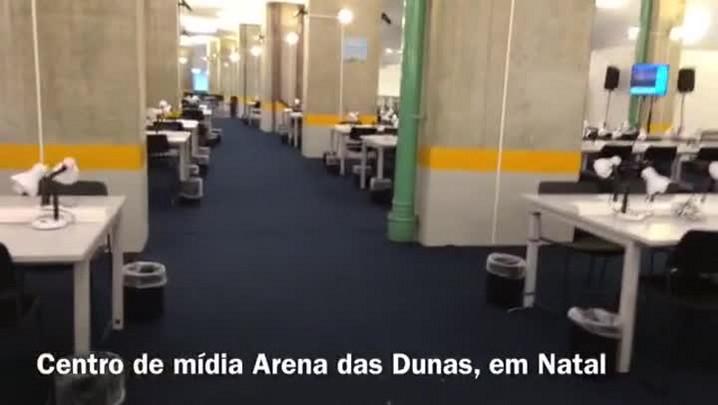 Operários trabalham em ritmo acelerado para últimos ajustes na Arena das Dunas