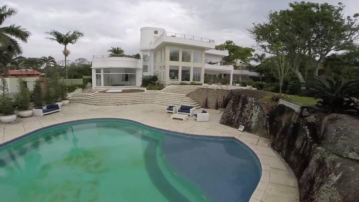 Conheça um dos imóveis mais caros à venda em Florianópolis