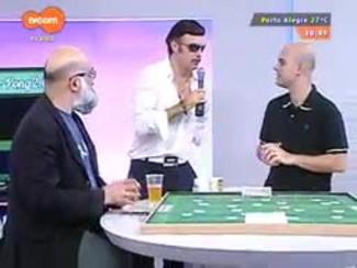 Super TVCOM Esportes - VJ Everaldo Guilherme apresenta cantora revelação 'anônima'